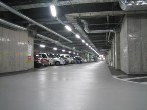停めたら車が吹っ飛ばされそうな駐車場wwwww
