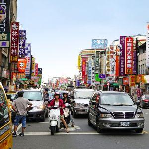 「その発想はなかったわw」 台湾の駐車場でのバイクの停め方が話題に