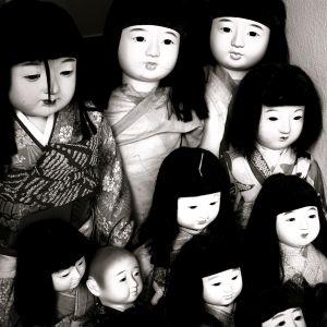 風呂で人形を丸洗いしてたら…非常にヤバい構図にw
