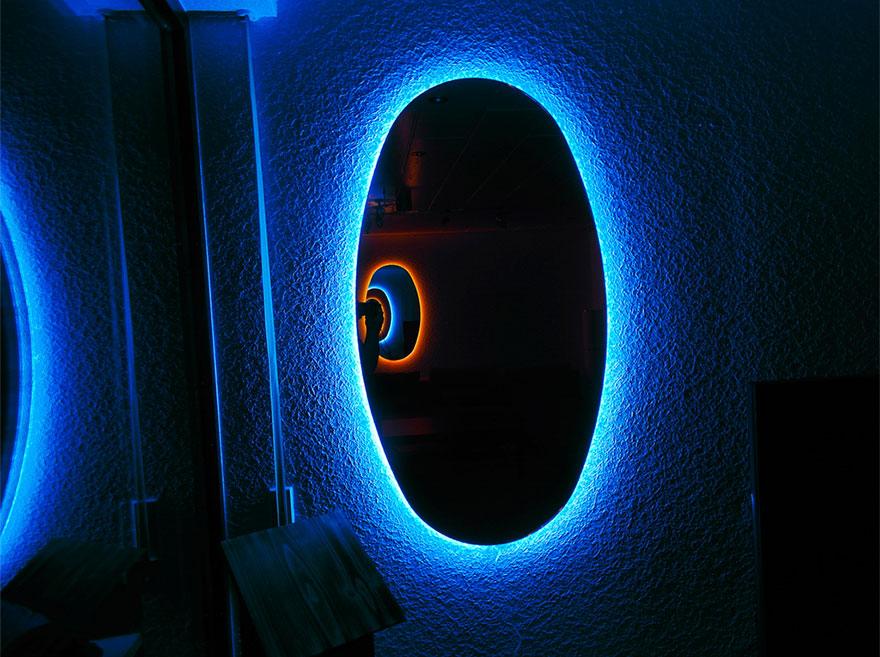 コレは欲しい。部屋が『Portal』になる鏡