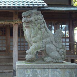 伊豆のある神社の狛犬がユルすぎるwwwwwww