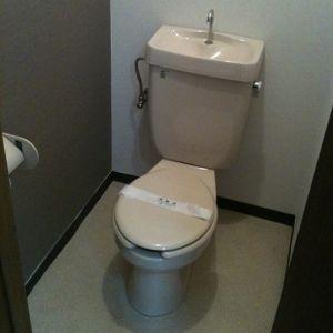 なぜトイレでそのような二択がwwwwwww