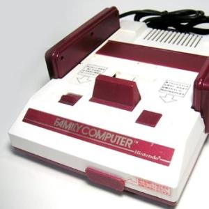 ファミコン時代のゲームが、アナログTVの「滲み」前提でデザインされてるのがよくわかる。