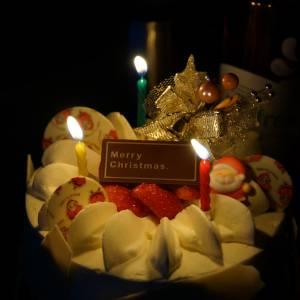 何の儀式だよ! ある飲み屋でおぞましいクリスマスケーキを発見www