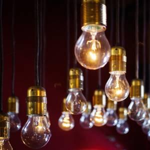 「電気代がこんなに安く!」という新興の電気会社のグラフがひでえwwwwwww