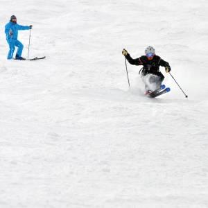 スキーに行ってる兄から届いた写真がカオスすぎたww