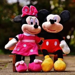 このミッキーとミニーは前世でどんな悪行を働いたのか。