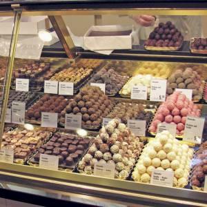 うさぎチョコが可愛いので食べずに飾っておいたら大変なことに😱