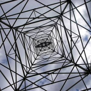 今まで見て来た鉄塔の中でも一番ヤバいのに出会ったwww