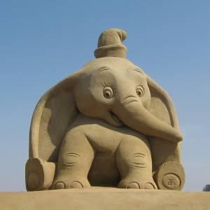 砂像世界大会で優勝した日本人の作品が凄すぎる…😳