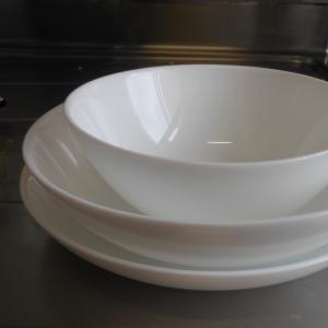 買ったお皿包装して貰う時に店員が笑いを堪えてた理由がわかった😂