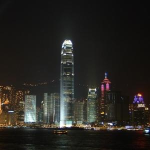 香港の携帯販売店CMが国際問題に発展するレベルでやべえw