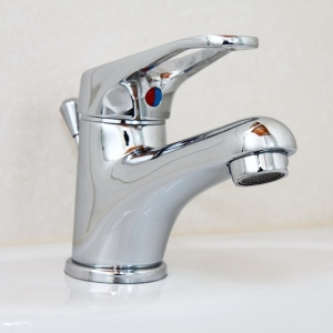 お腹かいたら手を洗ってくれるシステムの蛇口ฅ😺ฅ