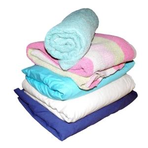 通販で売ってる毛布に「とんでもないモノ」が入っていると話題にwww