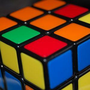 ルービックキューブの難易度を物理的に高くしてみました。