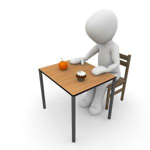 あるダイエット本の昼食が破天荒すぎるww「ヤバすぎ」「肝臓やられるわ」
