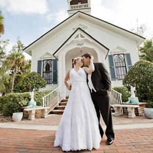 ジョジョ好きの友人から届いた結婚式の招待状www