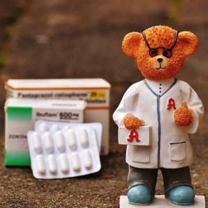 こりゃ大変。「薬剤師が薬を処方するときに考えること」イラストが話題に😱