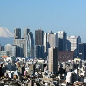 「空が広い!」およそ50年前、昭和45年の新宿をとらえた写真が話題に