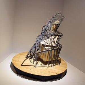 新神戸駅に「現代アート」が展示されてると思ったら…😨