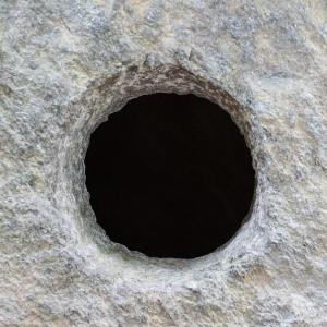 「家の壁に穴開けちゃった!」→その誤魔化し方が自然すぎるwwww