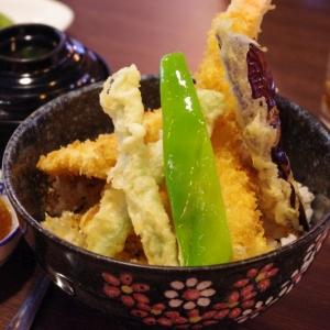 """「まさかコレを揚げるとは」…某スーパーのとんでもない""""天ぷら""""が話題に"""
