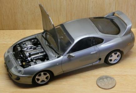 「なんと不吉な…」車の中に車のプラモを放置した結果😨
