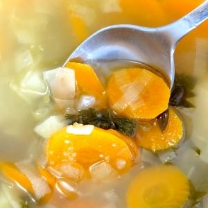 大好きな「野菜スープ」を煮込む匂いに気付いたわんこの表情🐶
