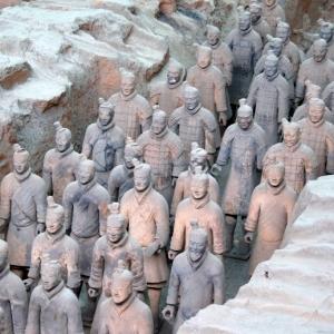 「何これ超欲しい」中国の世界遺産『兵馬俑』の兵士が近代兵器を装備したら…