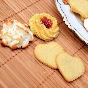 「渋すぎる…」仕事から帰ったら妻が誰得すぎるクッキーを焼いていたwww