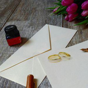 「情報商材かよw」友人の結婚式用にデザインしたら即ボツを食らった『招待状』がこちらですw