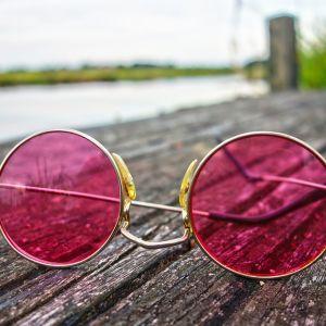 目が悪い人には難易度の高すぎるメガネ屋が発見されるwww