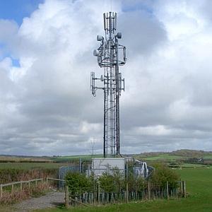景観条例が厳しい地域の「携帯基地局アンテナ」はこんなことになるw