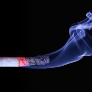 千葉県の『未成年喫煙防止』ポスターがヤバすぎる…😨