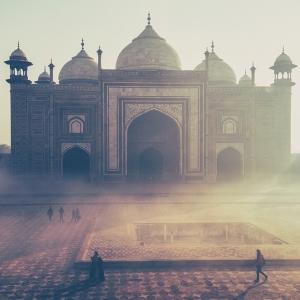 「さすがインド…」とある会社の朝礼風景が愉快すぎるw