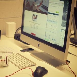 【悲報】Macユーザー、時代に取り残されるwww