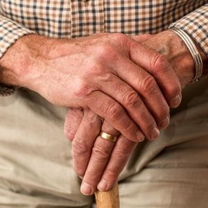 """【悲報】あまりに""""効率全振り""""な老人ホームが発見される…"""