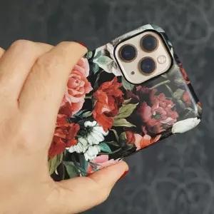 """「このフィット感…」あるツイ民による""""破れたiPhoneケースの補修""""がナイスアイデアすぎるww"""