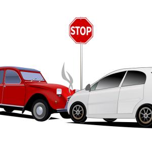 【悲報】あなたが事故っちゃダメでしょー、という車が事故ってる…😫