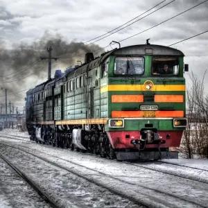 【動画】「よくコレで動かしてるな…」とんでもない状態で運行するロシアの電車が話題に