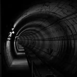 【終末】都内の某地下鉄で流れている構内アナウンスがあまりにホラーだった…😨