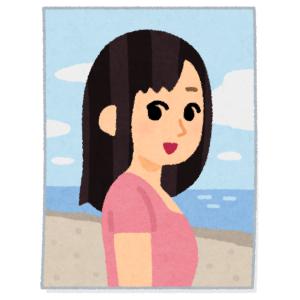 実家に貼ってある色あせた「浜崎あゆみ」ポスター。なぜか唇だけが赤いのでよーく見たら…😅