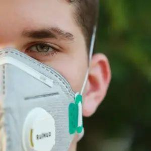 """「カッコイイけど…」イタリアでこの冬発売予定の""""Bluetoothマスク""""が話題に🤔"""