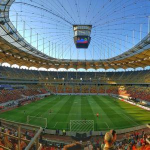 【悲報】広島にあるスタジアム、「飲水タイム」と称してとんでもないモノを飲ませようとしてくるww