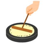 【映え】中国の屋台で売っているクレープ「花紋煎餅」の調理風景が職人芸すぎるwww
